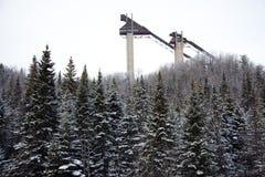 Torres del salto de esquí en la aldea olímpica de Lake Placid Imagen de archivo libre de regalías