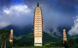 torres del templo tres de Chong-san Imagen de archivo