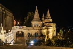Torres do bastião dos pescadores em Budapest, Hungria fotos de stock