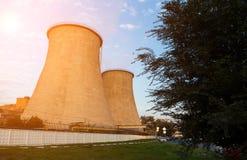 Torres do central elétrica da cidade Imagem de Stock Royalty Free
