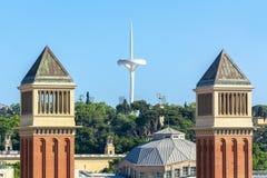 Torres e torre Venetian de Calatrava em Barcelona, Espanha imagem de stock