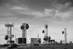 Torres en la montaña del puesto de observación Foto de archivo
