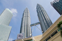 Torres gêmeas de Petronas em Kuala Lumpur, Malásia Imagens de Stock Royalty Free