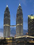 Torres gêmeas de Petronas - Kuala Lumpur - Malásia imagem de stock
