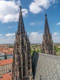 Torres góticas de la catedral fotografía de archivo libre de regalías