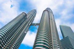 Torres gemelas de Petronas en Kuala Lumpur Imágenes de archivo libres de regalías