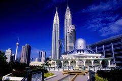 Torres gemelas de Petronas y horizonte de Kuala Lumpur. Imágenes de archivo libres de regalías