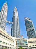 Torres gemelas de Petronas y KLCC Fotografía de archivo libre de regalías