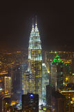 Torres gemelas en Kuala Lumpur (Malasia) imagenes de archivo