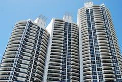 Torres luxuosas de Condomminium foto de stock royalty free