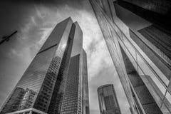 Torres modernas de la oficina en el centro de la ciudad de Los Angeles - CALIFORNIA, los E.E.U.U. - 18 DE MARZO DE 2019 fotografía de archivo libre de regalías