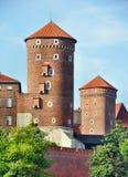 Torres no castelo de Zamek Wawel imagem de stock