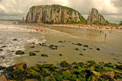 Torres strand, Rio Grande do Sul Arkivfoton
