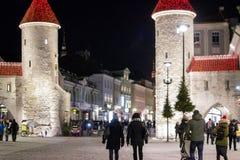 Torres viejas de la ciudad de Tallinn imagen de archivo libre de regalías