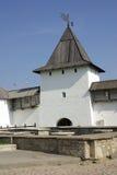 Torres viejas en Pskov imagenes de archivo