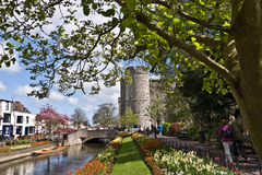 Torres y jardines de Cantorbery Westgate Imagen de archivo libre de regalías