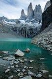 Torresbergen in beroemd Chileens nationaal park Torres del Paine royalty-vrije stock afbeeldingen