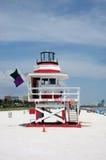 Torretta del bagnino in spiaggia del sud Fotografie Stock