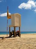 Torretta del bagnino sulla spiaggia Immagini Stock