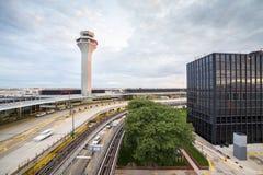 Torretta del controllo del traffico aereo Immagini Stock