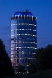 Torretta dell'ufficio dopo il tramonto Fotografie Stock