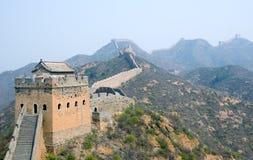 Torretta della Grande Muraglia famosa nel Simatai fotografia stock