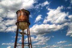 Torretta di acqua arrugginita Fotografie Stock