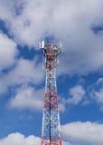 Torretta di antenna del ripetitore di comunicazione del telefono mobile Fotografia Stock Libera da Diritti
