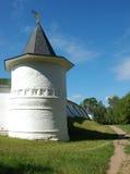 Torretta di Boris e del monastero di Gleb nella città di Dmitrov Fotografie Stock
