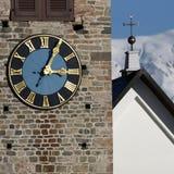 Torretta di chiesa con l'orologio Immagini Stock Libere da Diritti