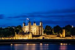 Torretta di Londra alla notte immagine stock libera da diritti