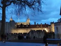 Torretta di Londra alla notte fotografia stock