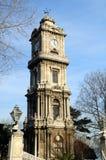 Torretta di orologio dal palazzo di Dolmabahce, Costantinopoli Immagine Stock Libera da Diritti