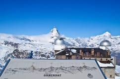 Torretta di osservazione di Gornergrat e Matterhorn fotografie stock
