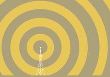 Torretta di radiodiffusione con le onde della trasmissione Fotografia Stock Libera da Diritti