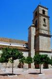 Torretta di segnalatore acustico della chiesa, Alora, Spagna. Immagini Stock