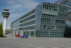 Torretta e costruzione dell'aeroporto Fotografia Stock Libera da Diritti