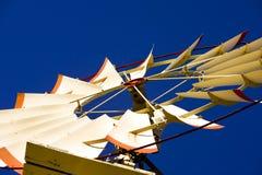 Torretta e mulino a vento di acqua Fotografia Stock Libera da Diritti