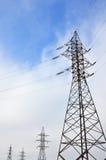 Torretta elettrica ad alta tensione Pilone della trasmissione di elettricità Fotografie Stock Libere da Diritti