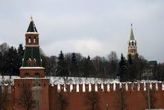 Torrette di Mosca Kremlin Foto di inverno di colore Fotografia Stock