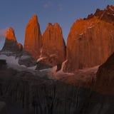 Torrette di Torres del paine ad alba Fotografia Stock