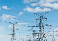 Torrette elettriche (piloni di elettricità) Fotografie Stock Libere da Diritti