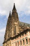 Torrette gotiche della cattedrale della st Vitus Fotografia Stock