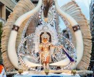 TORREVIEJA, O 19 DE FEVEREIRO: Grupos do carnaval e caráteres trajados Fotos de Stock Royalty Free