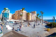 TORREVIEJA SPANIEN - NOVEMBER 17, 2017: Juan Aparicio Seafront Arkivfoto