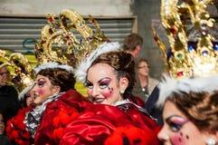 TORREVIEJA, SPANJE, 11,2018 FEBRUARI: De Groep en het kostuum van Carnaval Royalty-vrije Stock Foto