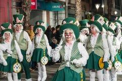 TORREVIEJA, SPANJE, 11,2018 FEBRUARI: De Groep en het kostuum van Carnaval Royalty-vrije Stock Fotografie