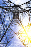 Torri ad alta tensione del trasporto di energia Fotografia Stock