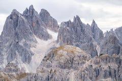 Torri alte di Cadini di Misurina nelle alpi della dolomia Immagini Stock Libere da Diritti