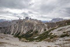 Torri alte di Cadini di Misurina nelle alpi della dolomia Fotografia Stock